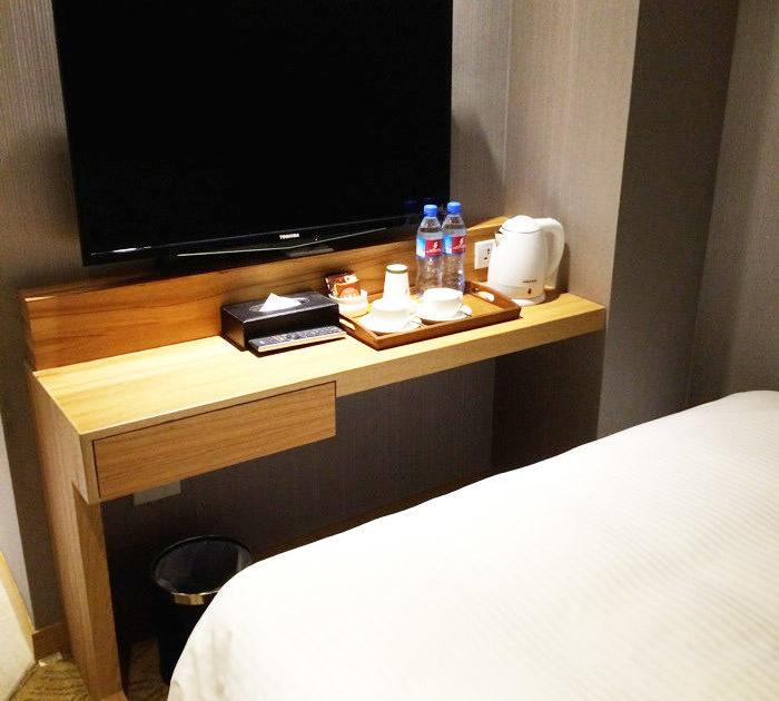 ヨヨホテルの部屋