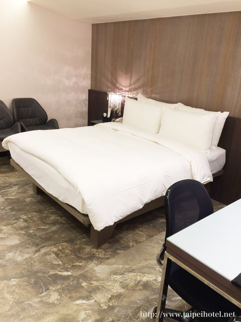 ホテル I ジャーニー (Hotel I Journey)